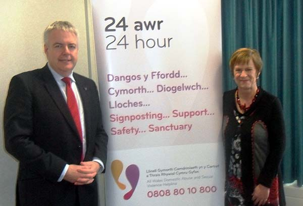 First Minister Carwyn Jones with Joyce Watson AM at the launch of the All-Wales domestic violence helpline.